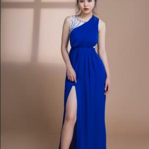 Đầm Dạ Hội Xòe Đính Ngọc Sát Nách sang trọng, quý phái, quyến rũ