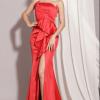Đầm Dạ Hội Xẻ Tà Peblum mang lại sự sang trọng, quý phái, quyến rũ