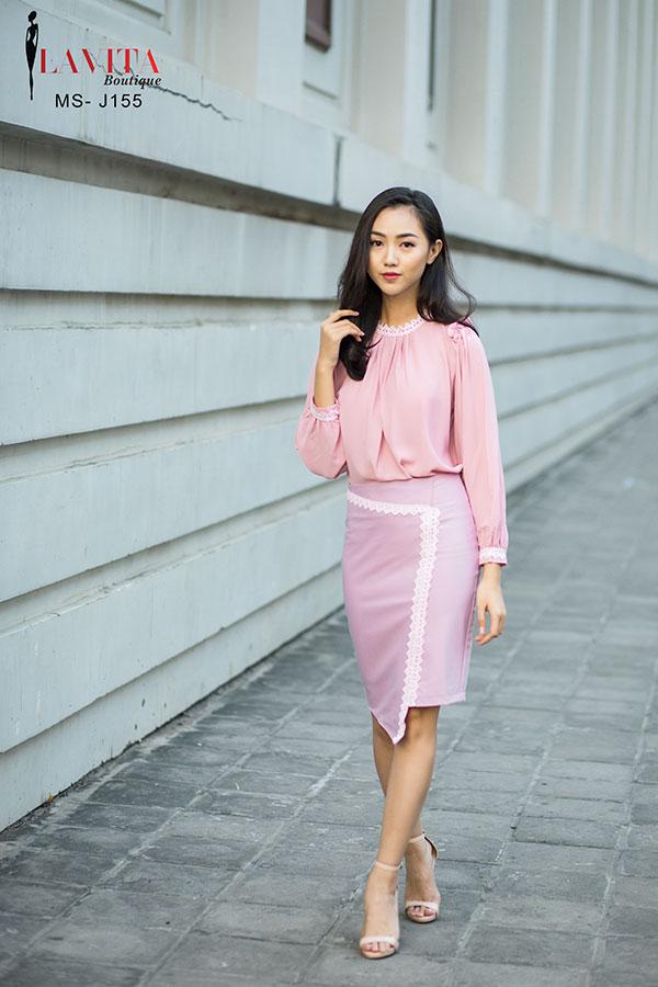 dam-cong-so-cao-cap Đầm công sở cao cấp Cách chọn đầm công sở cao cấp cho quý cô trung niên trẻ trung j 155 2 1